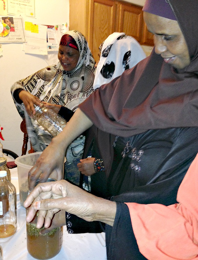 Somali refugee women make Four Thieves vinegar